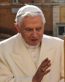 1 Pope Benedict Blessing Congress Bell